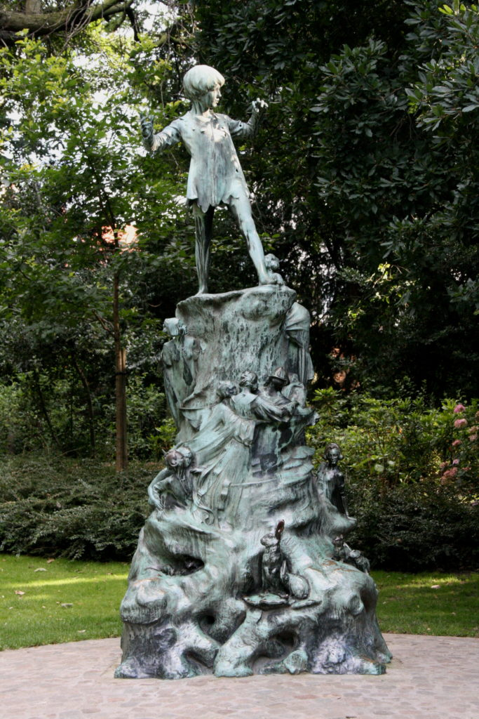 Estatua de Peter Pan